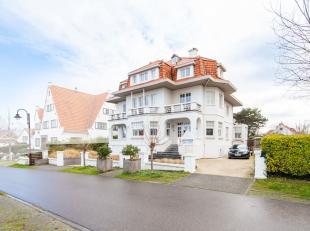 """Deze exclusieve en alleenstaande villa is gelegen op één van de mooiste plaatsen in De Haan, namelijk in ''De Concessie"""". Deze parel is"""
