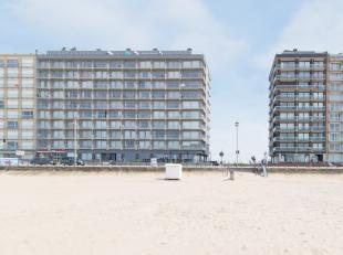 """In de standingvolle residentie """"Manager"""" op de Zeedijk in Middelkerke, is deze instapklare studio met open zicht gelegen. Door de ideale ligging bevin"""