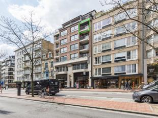 Prachtig appartement gelegen te LippenslaanDit ruim 2 slaapkamerappartement is gelegen op het einde van de Lippenslaan te Knokke-Heist, op wandelafsta