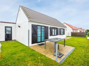 Dit instapklaar vissershuisje situeert zich tussen Wenduine en Blankenberge. De rustige ligging en dichte omgeving van strand, zee, en commercieel cen
