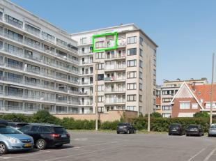"""Op de zevende verdieping van de residentie """"Sunflower"""", is deze instapklare studio gelegen. Het eigendom bevindt zich in het centrum van Middelkerke,"""