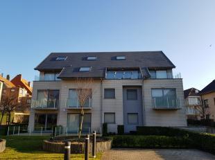 Instapklaar gelijkvloers appartement met 1 slaapkamer gelegen in de Warande, te Middelkerke. De Warande is een rustig en groen park maar toch zeer cen