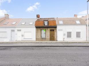 Nabij het centrum van Poperinge en in de omgeving van tal van winkels en scholen bevindt zich deze te renoveren woning. Met een gemakkelijke bereikbaa