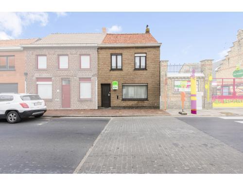 Rijwoning te koop in Roesbrugge-Haringe, € 79.500