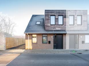 Deze nieuwbouwwoning werd in 2018 opgeleverd en is gelegen in Roesbrugge (deelgemeente van Poperinge). Deze woning is zeer efficiënt opgebouwd en