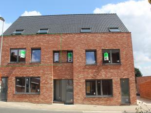 Dit appartement is nieuw gebouwd en zal volledig afgewerkt zijn op 01/10/19.Ze bestaat uit een woonkamer met keuken (mulitifunctie oven, keramische ko