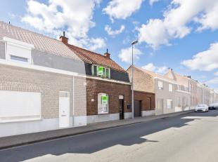 Deze te renoveren of te slopen woning bevindt zich in het charmante stadje Mesen. In de omgeving zijn enkele lagere scholen en buurtwinkels te vinden,