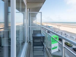 """Op de derde verdieping van de residentie """"Helix"""" is deze gerenoveerde studio mét frontaal zeezicht gelegen. Dankzij de goede ligging, bevindt u"""