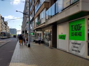 In het centrum van Middelkerke, in de Leopoldlaan, is dit casco handelspand gevestigd. Dankzij de top ligging van het pand bevindt u zich vlakbij de K