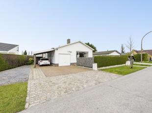 Deze charmante bungalow is gelegen in een uiterst rustige villawijk en is zeer vlot bereikbaar. De bungalow is tevens perfect instapklaar, is uitgerus
