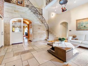 De villa ligt op een exclusief landelijk domein van ca. 6000 m² en op slechts enkele minuten van de ring rond Roeselare wat hierdoor een uitsteke