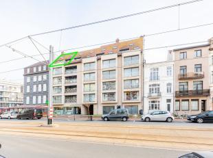 Dit recent gebouwde duplex appartement is gelegen op een uiterst centrale ligging in de bruisende badstad Blankenberge. Deze duplex is ingedeeld in ee