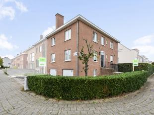 Deze ruime instapklare woning is gelegen op Sint-Elisabeth, en heeft een makkelijke verbinding naar autosnelweg, winkels, scholen, openbaar vervoer...