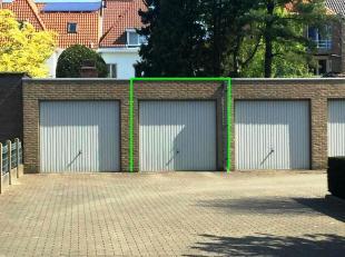 Deze ruime garagebox bevindt zich in Kristus-Koning, op slechts anderhalve kilometer van het centrum van Brugge.De garage bevindt zich aan de achterka
