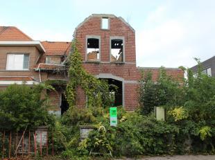 Deze volledig te renoveren / af te breken woning in Zottegem heeft een perceeloppervlakte van 358m² en is volledig onderkelderd met een ondergron