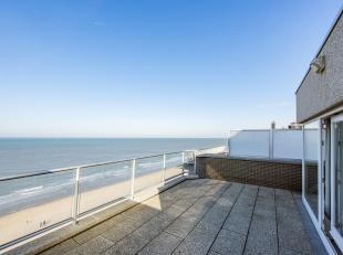 Op de Zeedijk van Middelkerke is dit magnifiek duplex penthouse gevestigd. Het appartement bevindt zich in het centrum van de stad, op wandelafstand v