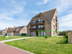 Dit appartement is gelegen in de stadsrand van Blankenberge doch dichtbij verschillende handelszaken en supermarkten (Colruyt, Lidl,...). Buiten deze
