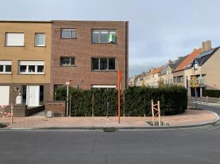In een rustige woonwijk vlakbij centrum Blankenberge, vindt men dit ruime appartement terug. Het appartement is vlot bereikbaar via openbaar vervoer e