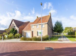 Deze woning is ideaal voor een totale renovatie of kan als afbraakproject bekeken worden. De woning heeft een groot bewoonbaar oppervlakte maar zijn g