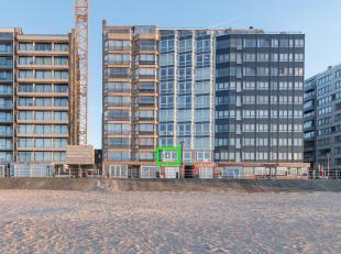 Dit appartement is gelegen op de eerste verdieping van een zeer verzorgde residentie, op de zeedijk van Westende-Bad. Dankzij deze unieke ligging kan