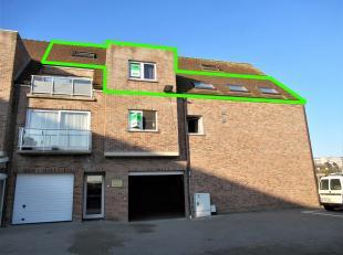 In het centrum van Middelkerke vinden we dit duplexappartement, gelegen op de tweede verdieping van de Residentie Delphine.Dit appartement ligt op sle