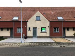 Deze instapklare woning is gelegen in het centrum van Middelkerke. In de directe omgeving bevinden er zich diverse handelaars, scholen en haltes tot o