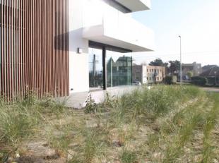 """Residentie """"BLUEWATER"""" koppelt eigentijds wonen aan een hoogstaande moderne architectuur. De appartementen liggen op wandelafstand van het centrum van"""
