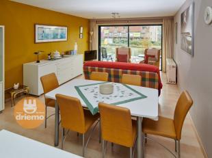 Zonnig appartement met mooi terras in de omgeving van de Esplanade. Indeling: inkom, berging, zonovergoten woonkamer die uitgeeft op een terrasje. Gez