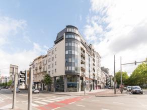 Dit stijlvol ingerichte kantoor is gelegen op de Britselei in het kloppende hart van Antwerpen. Vanwege zijn ligging op een hoek krijgt men een heel o