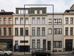 Bezoek het pand reeds viruteel op onze website! Prachtige herenwoning op een residentiële locatie in het centrum van Antwerpen. Deze woning met r