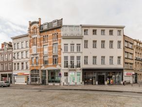 Subliem totaal renovatieproject van een historisch dubbelhuis uit 1863 in het hartje van Antwerpen. Ideaal gelegen op wandelafstand van het stadcentru