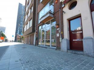Aan de Londenstraat, hoofdstraat van dé buurt van het moment 't Eilandje, bevindt zich deze prachtige gelijkvloerse handelsruimte. <br /> <br /