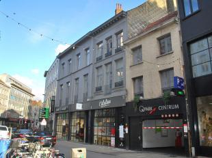 Trendy 1 slaapkamer nieuwbouw appartement (bew. opp. 65m²) in kleinschalig gebouw in het hartje van Antwerpen. Ideaal gelegen op wandelafstand va