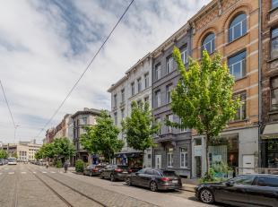 Opbrengsteigendom met authentieke elementen bestaande uit 4 units op het Zuid in Antwerpen vlakbij het Museum van Schone Kunsten,– ideaal investerings