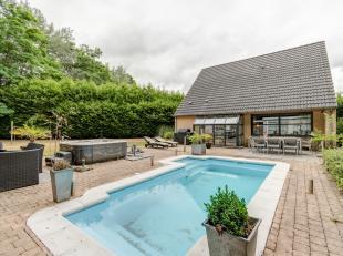 Deze gezellige villa met 3 slaapkamers en een aangename tuin met zeer veel privacy is gelegen op een toplocatie in Boom. Het eigendom bevindt zich in