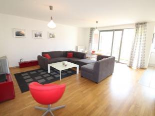 Quartier Jourdan - Splendide appartements meublé de +/-105m² avec 7m² de terrasse en bon état - Au 1er étage: Hall d'en