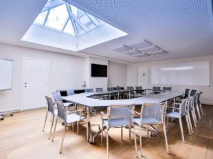 Rue Royale/Congrès - Splendide bureau de +/-543m² au 2eme étage. il se compose d'un hall entrée, de 7 bureaux , d'un espace
