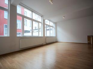 Bruxelles centre - Bel appartement 2 chambres de +/-  95m² avec terrasse - Situé au 1er étage d'un immeuble de 2 étages - Co