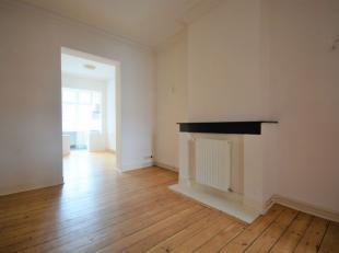 SOUS-OFFRE - Pl. Van Meenen - Bel appartement 2 chambres de +/- 70m²  - Au 2ème étage d'un immeuble de 3 étages - Compos&eac