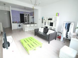Quartier Emile Jacqmain - Bel appartement en parfait état de +-68m² - Hall d'entrée avec wc séparé de +/-9m² - L