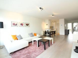 Quartier Rogier - Splendide appartement meublé de +/-120m². il se compose d'un hall d'entrée avec espace vestiaire et d'un WC visit