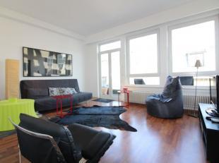 Quartier Sainte-Catherine - Spacieux appartement meublé de +/- 120m² - Il se compose  d'un hall d'entrée avec espace vestiaire, dun