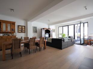 *** VENDU ****  Bel appartement 2 chambres de +/- 100m² avec terrasse - Rénovation fait en 2013 - Au 1er étage d'un immeuble de 3 &