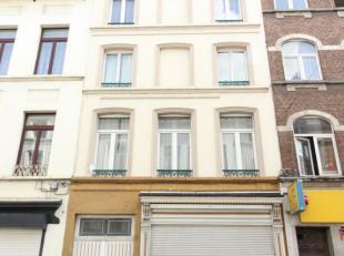 *** VENDU *** Quartier Place du Jeu de Balle/Rue Blaes - Immeuble de rapport de 7 unités reconnues à l'urbansime composé comme su
