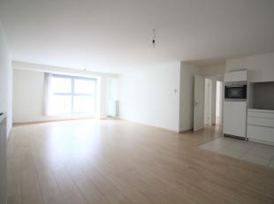 Quartier Place des Martyrs - En plein coeur du centre ville - Magnifique appartement 2 chambre +/- 102m² se composant comme suit: Hall d'entr&eac
