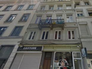 *** VENDU *** Centre-ville - Quartier Place Rouppe - Appartement studio de +/- 40m² dans un petit immeuble avec peu de charges. L'appartement se