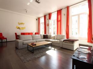Rue de Flandre - Magnifique appartement une chambre meublé de +/-100m² . composé comme suit: Spacieux hall d'entrée, tr&egra