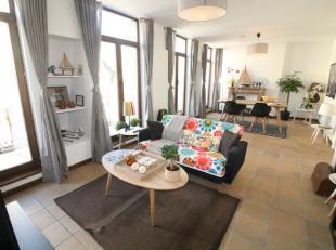 Quartier Sainte Catherine : Beau duplex parfait état 165m² avec 1 chambre + 4 greniers aménagés en chambres - Au 5ème
