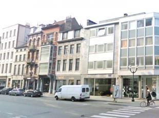 Quartier Dansaert : Magnifique studio de +/- 60m² - Comprenant un bel espace living, une cuisine hyper équipée (frigo, micro-onde,