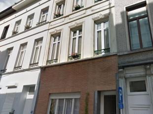 *** VENDU*** Centre ville - Quartier de la Senne - Bel immeuble de rapport 4 unités (3 logements + 1 Atlelier)  composé comme suit : Bat